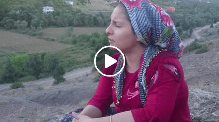 Köylü Kızından Mükemmel Türkü – Ben Seni Bir Türlü Unutamadım